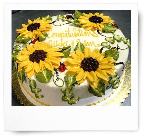 Like a summer day in France, these buttercream sunflowers will turn any head. The bright flowers and petite buttercream ladybugs are a wonderfully happy combination for many occasions.