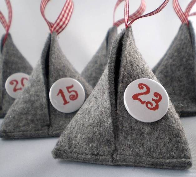 calendrier de l'avent en berlingots de feutrine these are to purchase but so cute and look easy to make