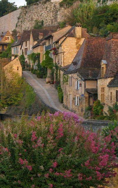 Beynac-et-Cazenac, Aquitaine, France | by Bob Radlinski