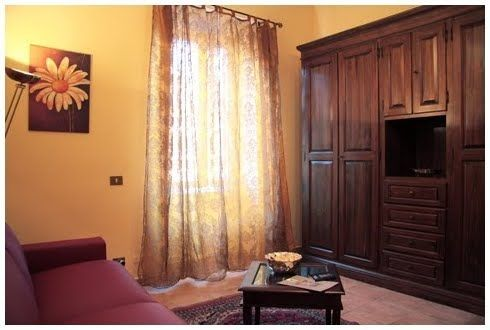 Rome, Italy Vacation Rental, 1 bed, 1 bath, kitchen with internet in Vaticano. Thousands of photos and unbiased customer reviews, Enjoy a great Rome apartment rental perfect for your next holiday. Book online!