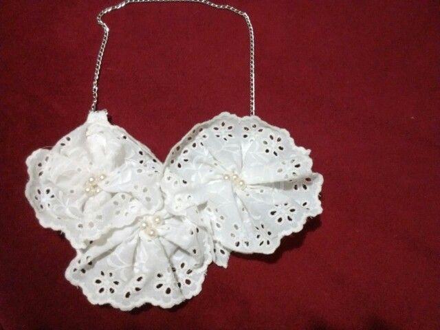 Collar blanco perlas