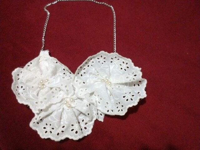Collar blanco perlas