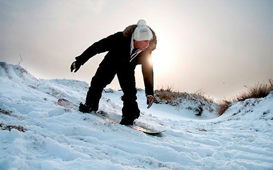 Winter sports in Holland? Discover the many indoor and outdoor options. #visitholland #winter #sports