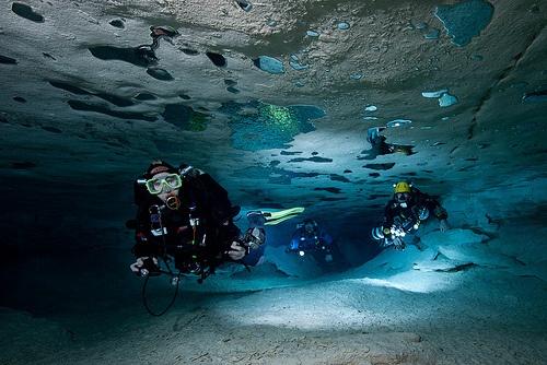 Ice diving | Space & Unique