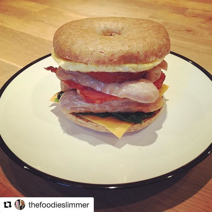 Looking for the perfect Sunday brunch inspiration? Check out @thefoodieslimmer ultimate breakfast bagel including our delicious @goodlittlecompany Great Skinny Sausages! Just 0.5 syns each on the Slimming World Extra Easy plan! #slimmingworld #food #goodlittlecompany #sausages #skinny #lowsyn #yum #breakfast #brunch #sunday #weekendvibes #weekend #slimmingworlduk #slimmingworldfood #slimmingworldjourney #slimmingworldfamily #slimmingworldfollowers #weightwatchers #wow #foodgram #healthy…
