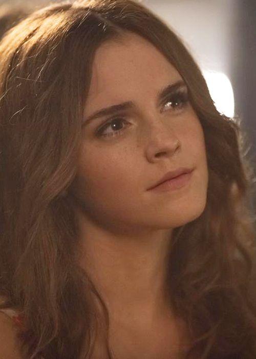Emma Watson - New HQ still of Emma Watson as Lena in 'Colonia'