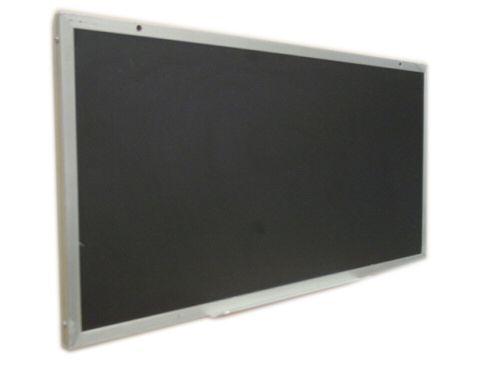 Pizarron negro con marco de aluminio refozado y porta marcador en la parte inferior