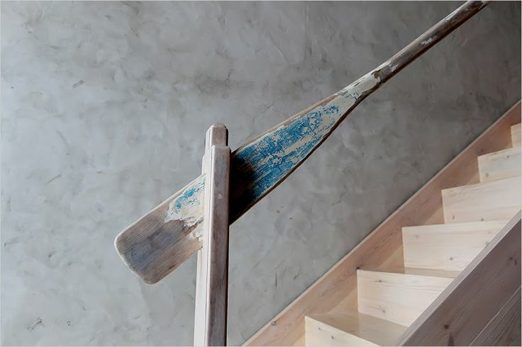 Perfectly Repurposed Boat Oar For Stair Railing Lake