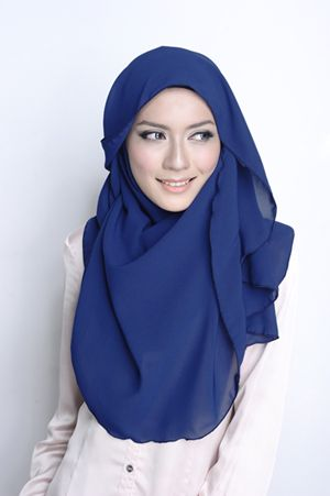VS Essential Scarf in Oxford Blue