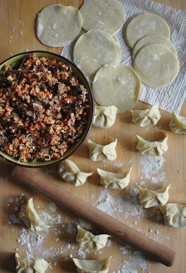 Have you ever tried to make dumplings for the Chinese New Year? #饺子 #年夜饭 #馅料…