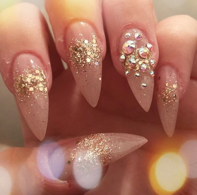 Stiletto nails........loooooove them......I am going to get these for sure