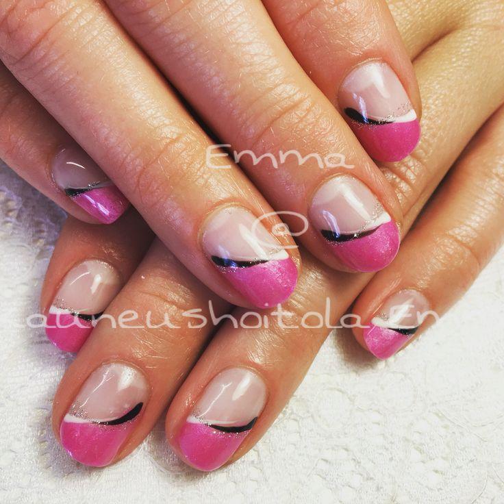 Pinkki geelilakkaus