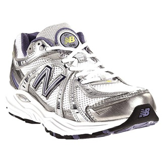 Stretching Toe Box Running Shoes