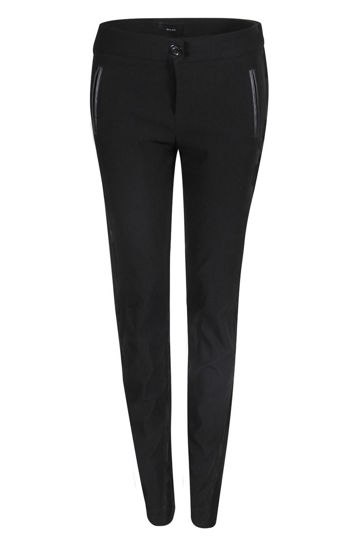 Pantalón negro entubado #black #style #fashion