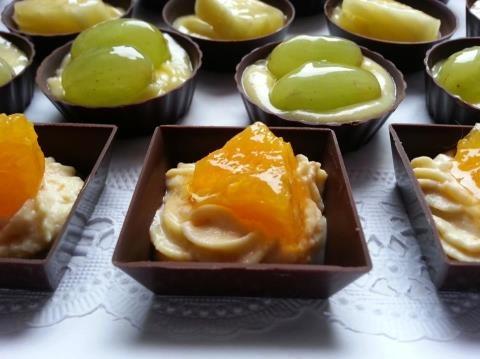Tartellette di cioccolato alla frutta per la reunion delle ex compagne di scuola...:-))