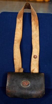 Blades together with Forum further Search likewise Id F 2410122 also Id F 1018672. on 18th century cartridge bag