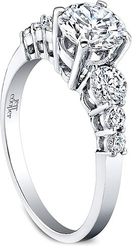 Round diamond ring platinum dreams future inspiration things i - Ring This Diamond Engagement Ring Features Three Graduated Round