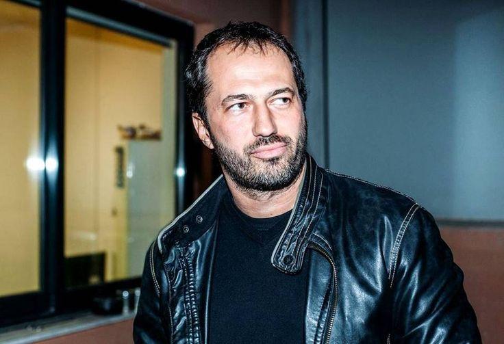 Δημήτρης Σειρηνάκης: Ακόμα κι αν ο άνδρας είναι XXL, αν δε μπορεί να επικοινωνήσει, την έχει ξενερώσει στο πρώτο δευτερόλεπτο