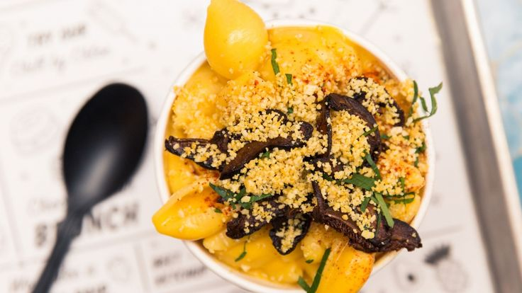 By Chloe Shares Its Vegan Mac and Cheese Recipe: We headed to their West Village location earlier this week to met up with Corporate Executive Chef, Manuel Trevino to learn how to whip up this dish. | Coveteur.com