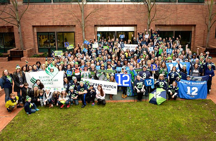 Nearly 200 Seattle Seahawks Fans From Fred Hutch School And Cancer Care Alliance Turned Out To Show Their Hometown S