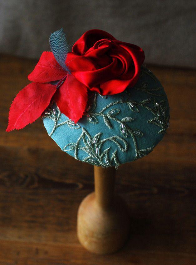 Headpieces & Fascinators - Russisch Rot Seide Stickerei Fascinator Headpiece - ein Designerstück von billies bei DaWanda