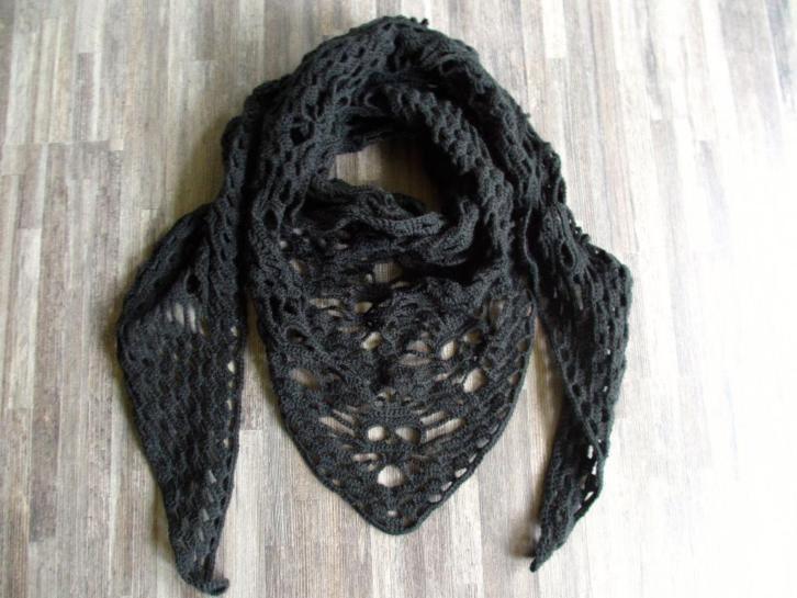 gehaakte sjaal/omslagdoek Skull zwart
