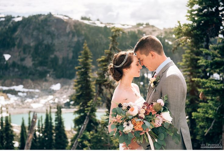 A Whistler Mountain wedding <3 To plan yours, check out https://www.whistlerblackcomb.com/groups/weddings