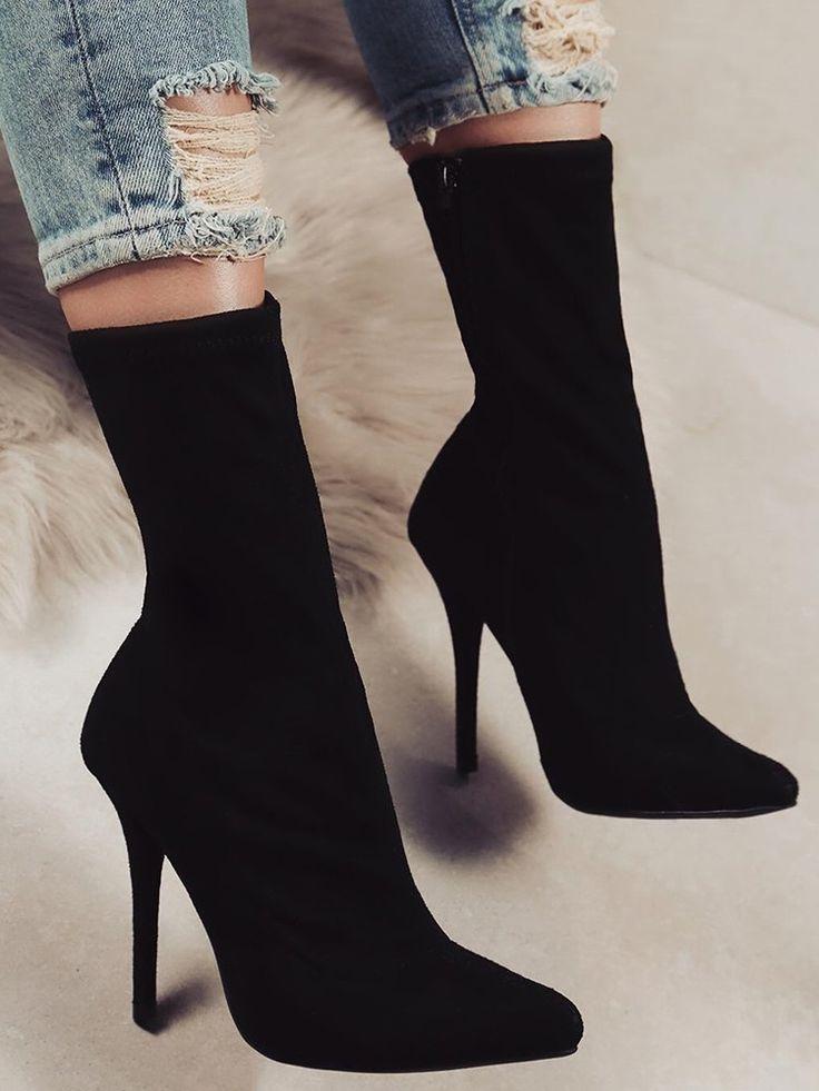 Découvrez les bottes à talons pointues avec fermeture à glissière noire pour le moment …