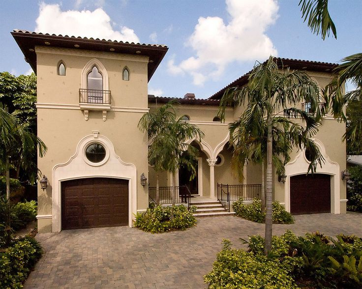 Inspired by italian and spanish renaissance architecture for Florida residential architects