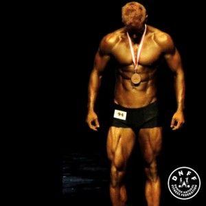 Klasse: Bodybuilding M   DNFF - naturlig fitness og bodybuilding
