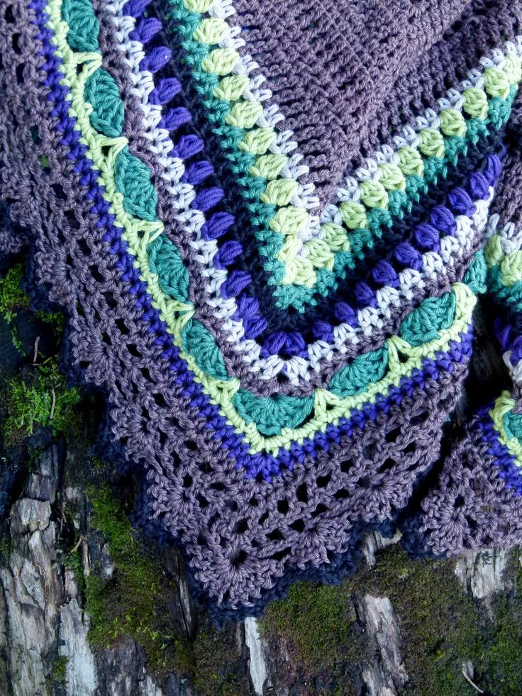 Sunday Shawl - crochet pattern from The Little Bee https://www.etsy.com/nz/listing/196313873/crochet-shawl-pattern-instant-download