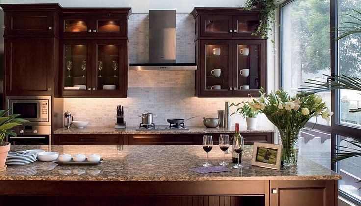 Versatile St. Martin's Cabinets