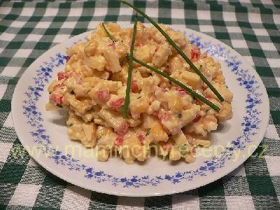 35 Sýrový salát s kukuřicí