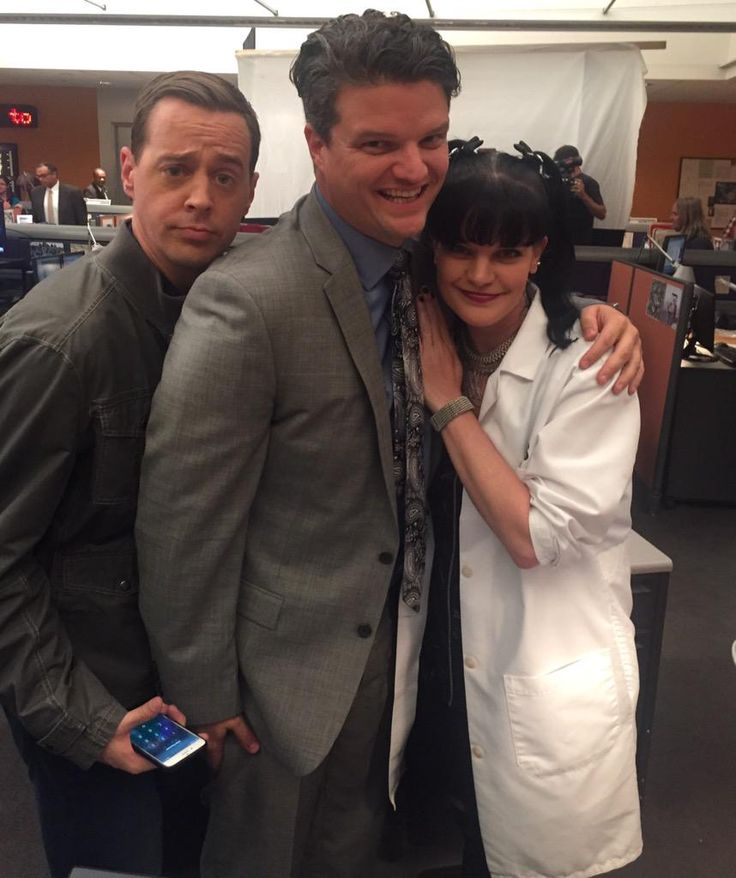 Sean Murray, Matt Jones (Dorneget), and Pauley Perrette on the set of NCIS.