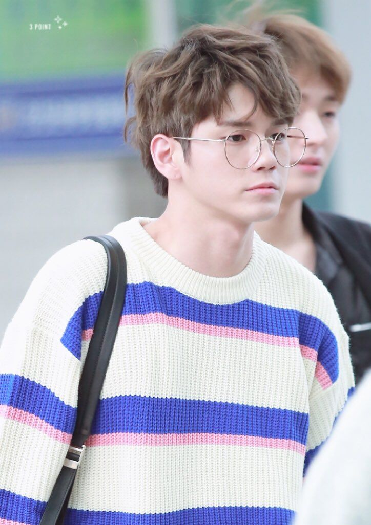 Seongwoo | WANNA ONE | @AlienGabs51