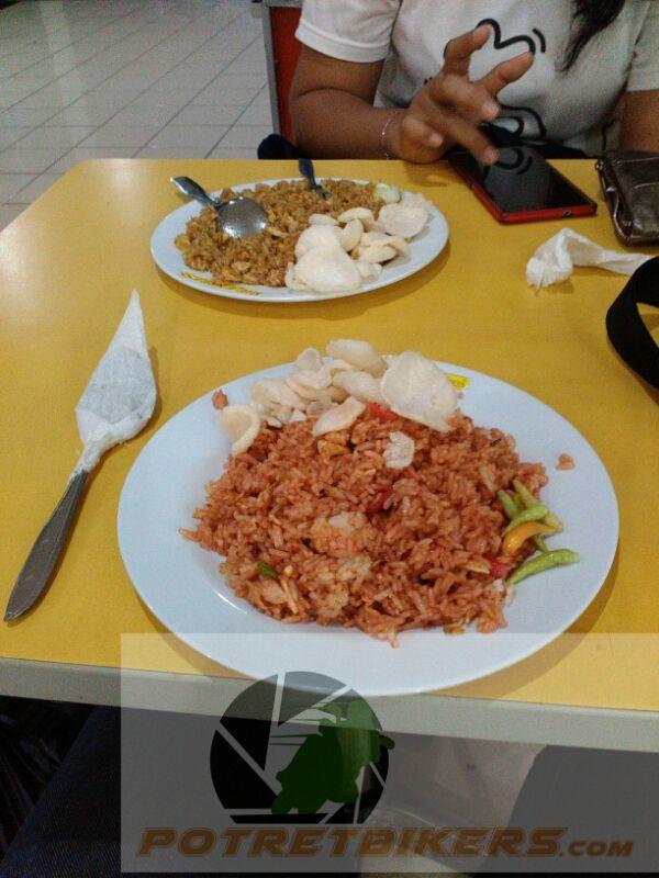 NasGor Express, cukup nyaman buat menahan lapar saat jalan-jalan di Mall