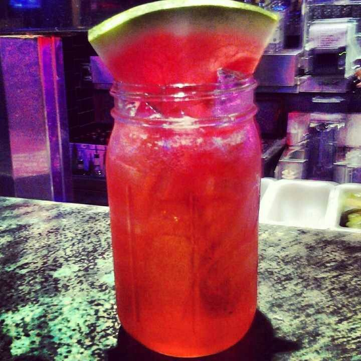 Watermelon crawler at razzoos sweet white wine for Mix drinks with wine