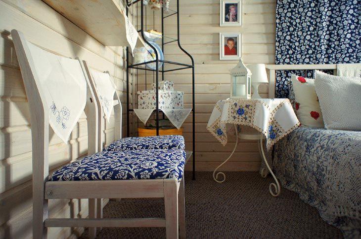 Ситцевая спальня в деревенском стиле