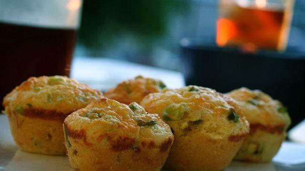 Come fare dei muffins di orzo e verza