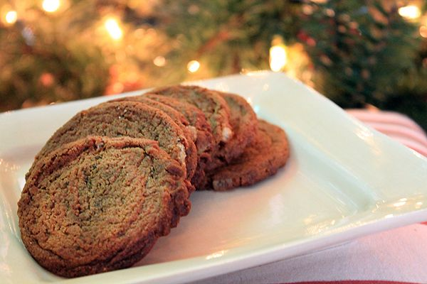 Chewy Ginger Molasses Cookies  www.bluebonnetsandbrownies.com