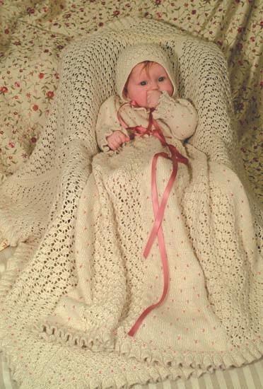 Dåpskjole, teppe, sokker og lue