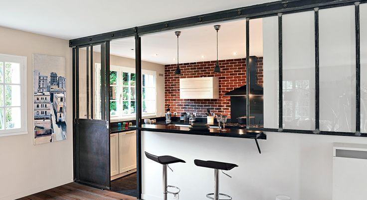 Cuisine ouverte une verri re en mode coulissant cuisine - Cacher une cuisine ouverte ...