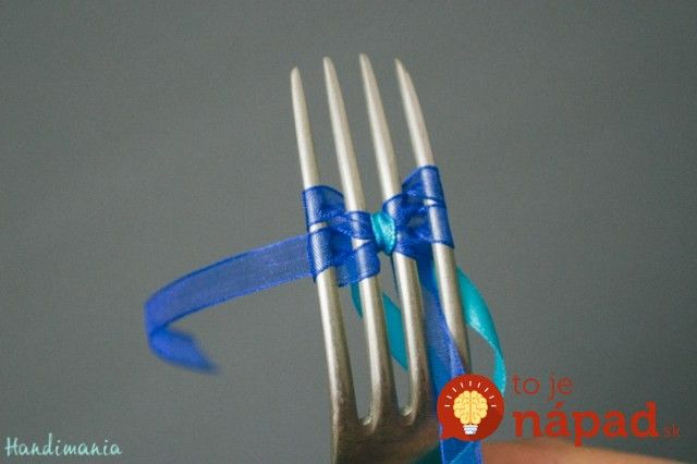tiny-bow-on-the-fork10