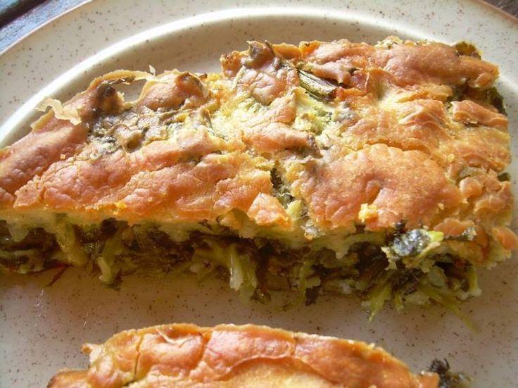 Λαχανόπιττα με χυλό - Μία αυθεντική χωριάτικη πίτα με την συνταγή της από την Κοκκινοράχη Γορτυνίας!    1 1/2 έως 2 kg άγρια χόρτα γλυκά, καυκαλίδες, λάπατα, σκατζίκια, αγριοσπάνακα, διάφορα μυρωδικά, δυόσμο, μαϊντανό, μάραθο, ένα κρεμμύδι ξερό