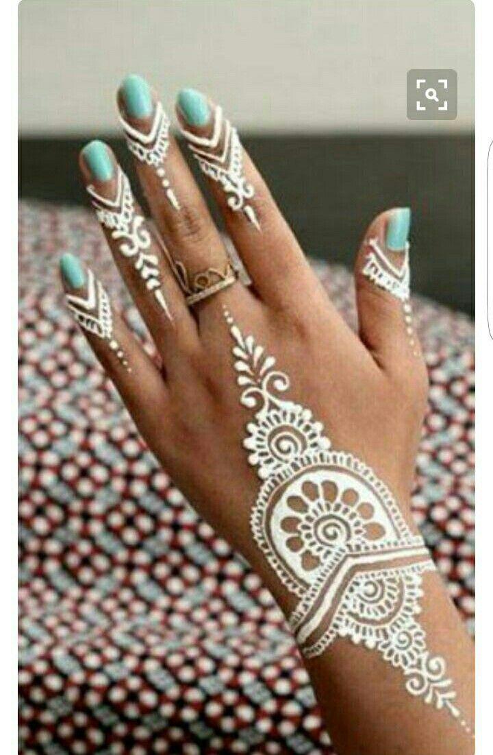 J aime trop cette couleur  en plus quand on est bronzer ça ressors vraiment bien !