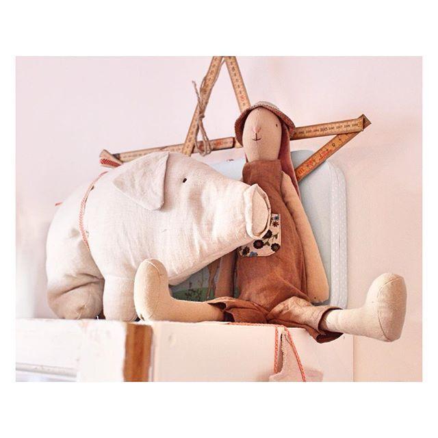 Tildas underbart söta djur från Maileg  #maileg #mailegbunny #mailegpig #inredningsdetaljer #kidsroom #barnrum