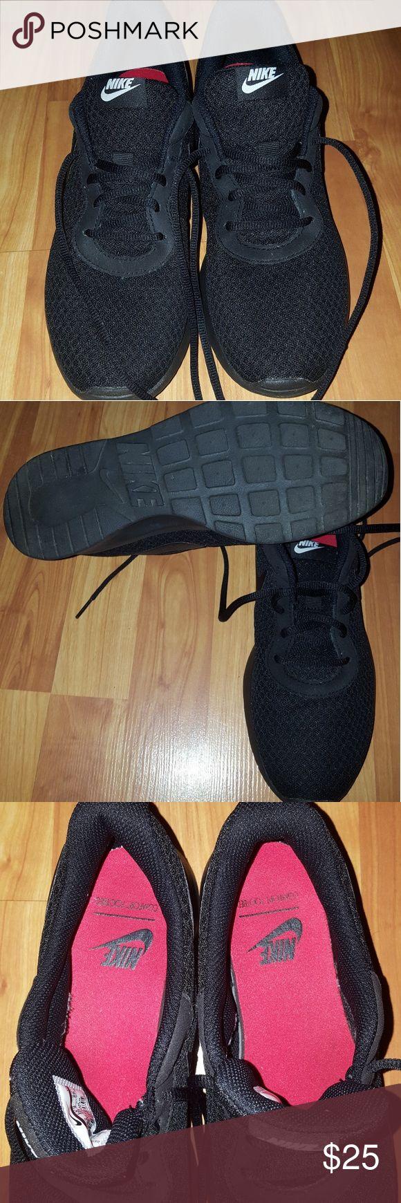 ... Women's Nike Tanjun Size 9 ...