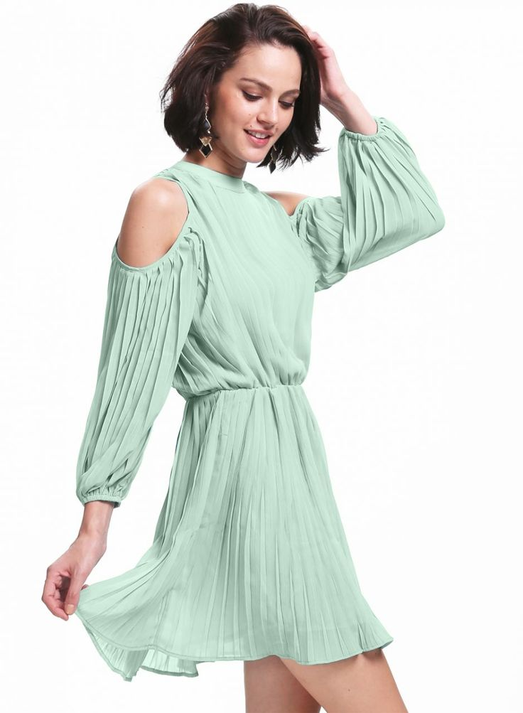 Piliseli Yeşil Elbise Piliseli Omuz Detaylı Elbise Elbise En Trend Elbiseler 93,00 TL