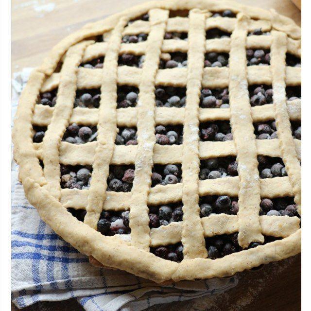 Skal du bake denne søndagen?  her sukkerfri blåbærpai som kan nytes til søndagskaffien eller fryses ned til seinare  oppskrift la eg ut på bloggen tidligare denne veka