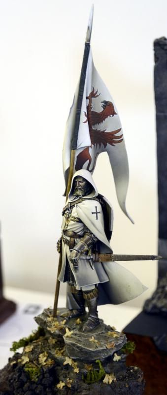The Modelling News: Euro Militaire 2012 Pt.IV– Model busts and (mostly) Civilian Vignettes..